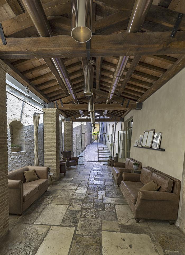 Ristorante Vespasia - Entrata palazzo seneca norcia