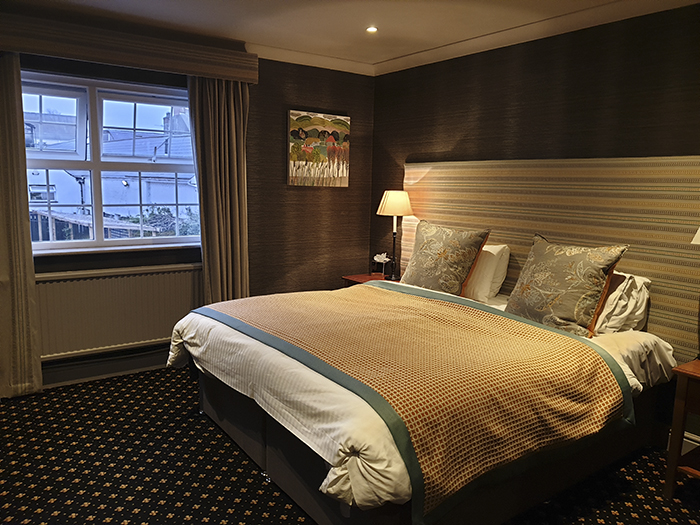 bear hotel galles stanza