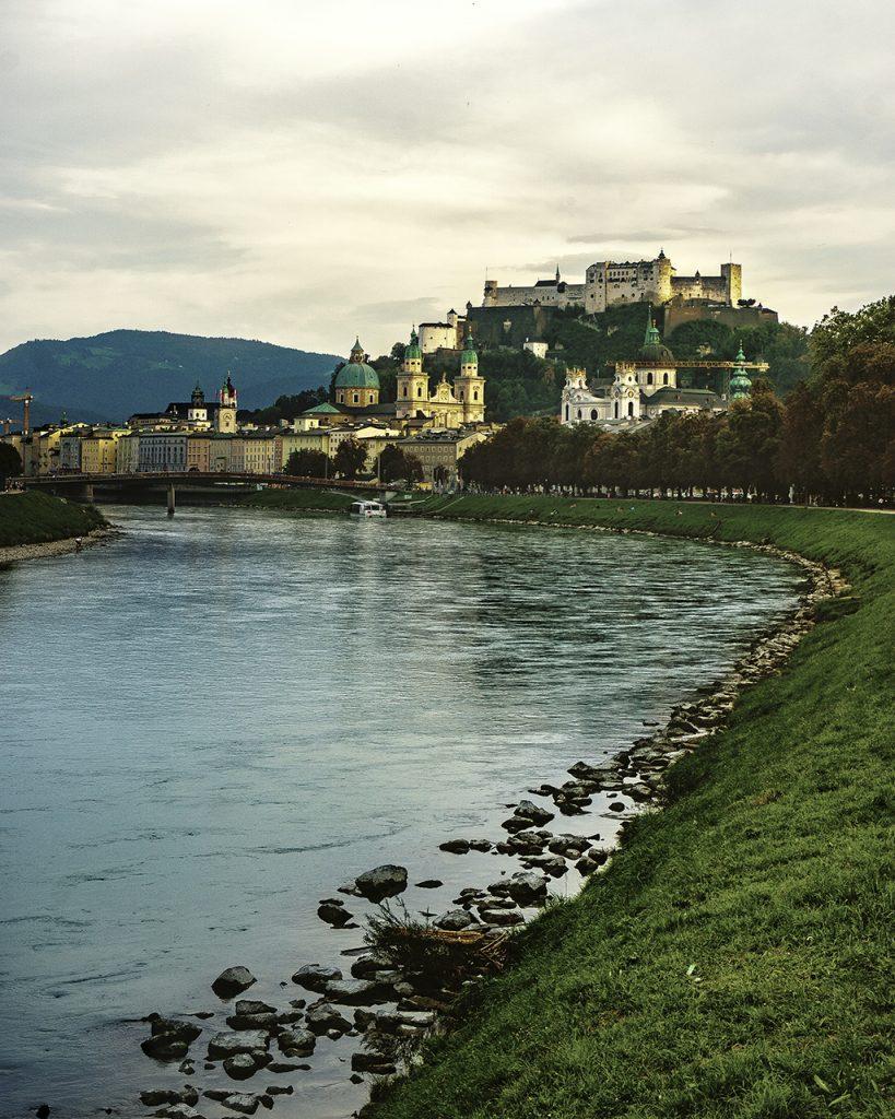 Salisburgo dalle rive del fiume Salbach
