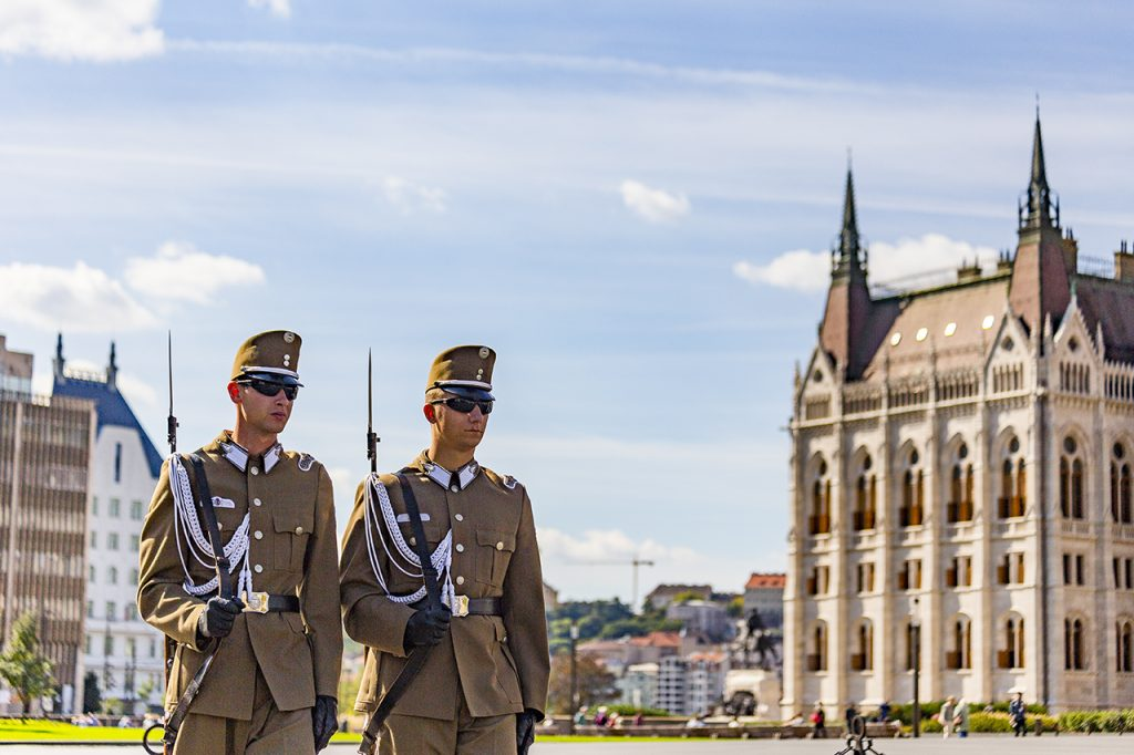 cambio della guardia budapest