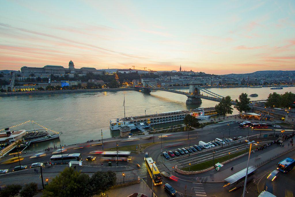 Tramonto sul Danubio budapest