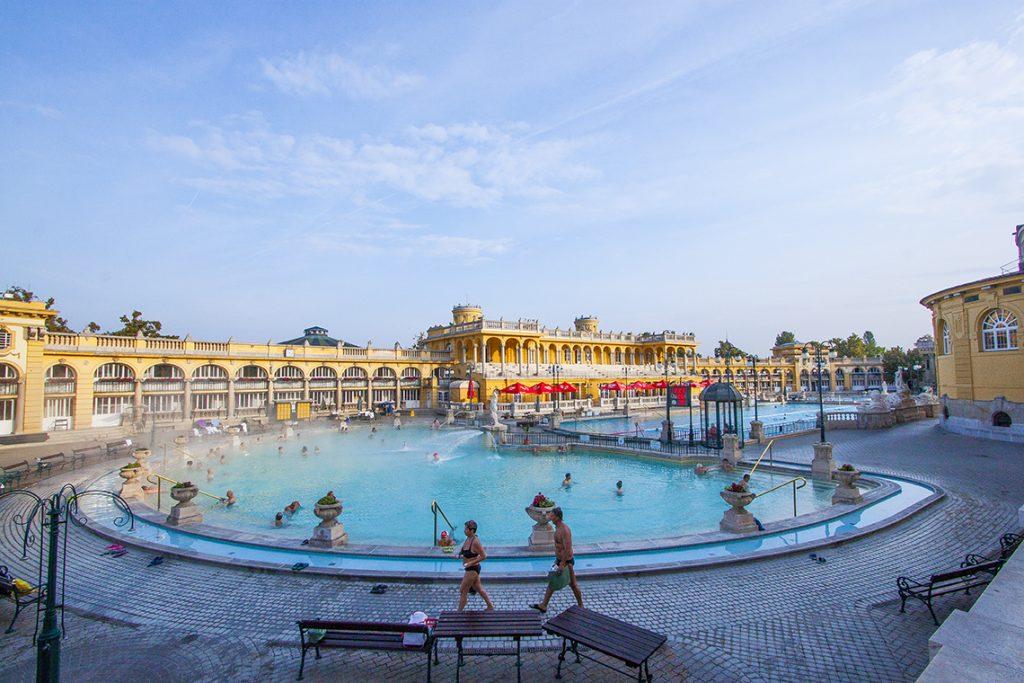 Bagno termale e piscina Széchenyi budapest