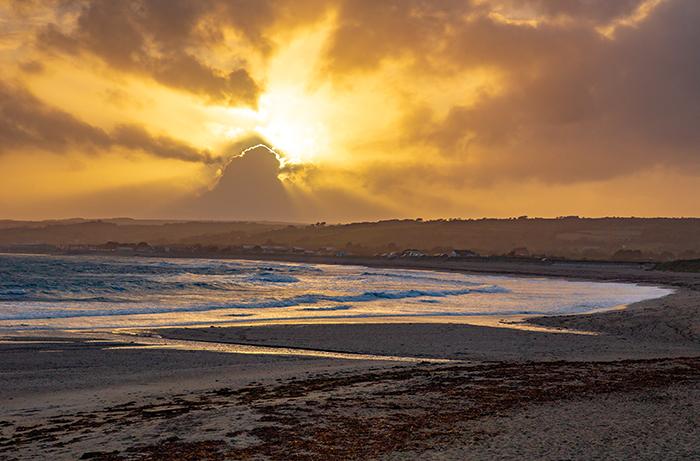 Tramonto sulla spiaggia di Marazon