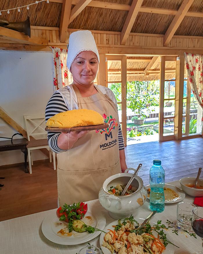 Orheiul Vechi moldavia casa din luca mamaliga