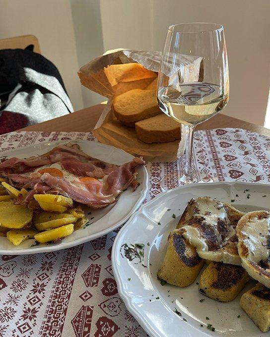 Rifugio Bec de Roces polenta formaggio speck uova